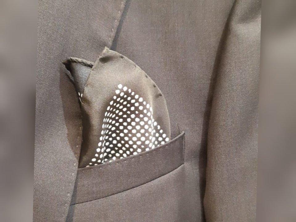 Giacca-con-fazzoletto da taschino a pois Hugo Boss